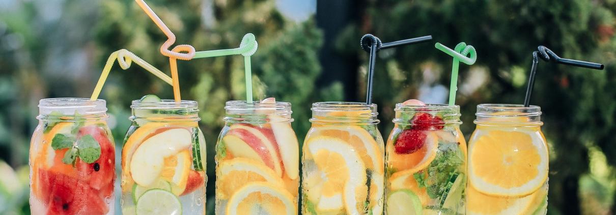 Sommerdrinks mit Früchten